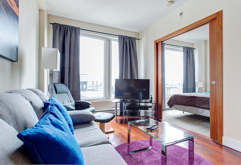 Downtown Suites by Hometrotting, Montreal, Superior Apartment, 1 Bedroom, Living Area