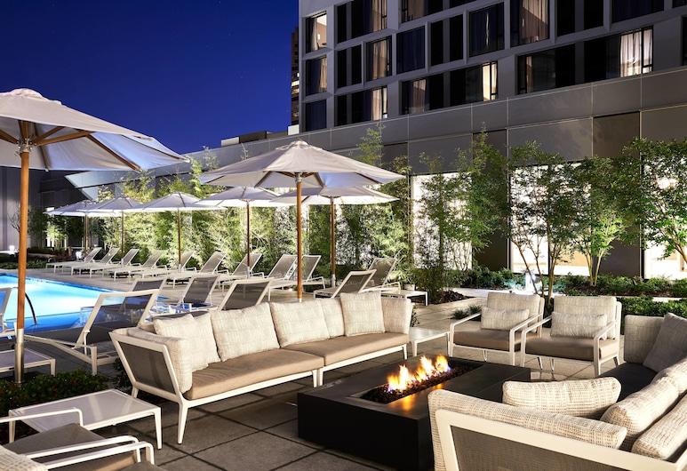 โรงแรมเอซี บาย แมริออท ดัลลัส บายเดอะแกลเลอเรีย, ดัลลาส, สระว่ายน้ำกลางแจ้ง
