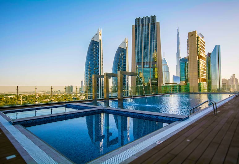 Gevora Hotel, Dubai, Outdoor Pool