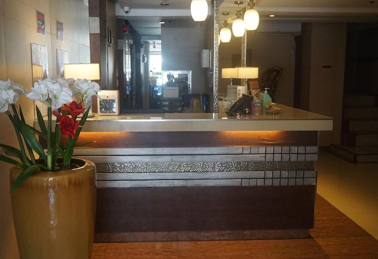 The Shilla Philia Hotel, Makati, Quầy tiếp tân