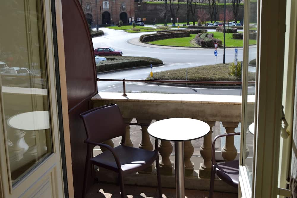 Comfort Room, Balcony, City View - Balcony