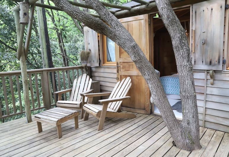 Orion Tree houses, Saint-Paul de Vence, Honeymoon-Baumhaus (Shere Khan), Terrasse/Patio