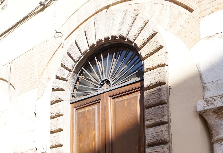 Residenza alla Cattedrale, Lucca, Property entrance