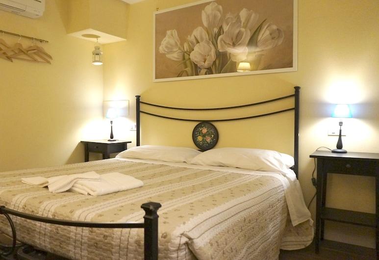 Silvia Apartment, Lucca, Appartamento Comfort, 2 camere da letto, Camera