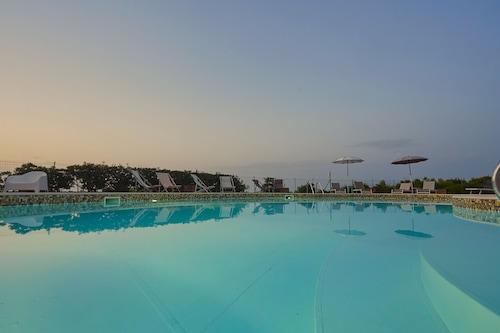 里瓦海洋公寓飯店/