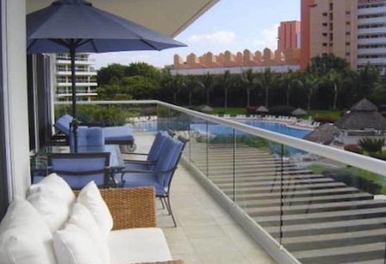 Unlimited Luxury BEGONA'S Condo, Puerto Vallarta, Terras