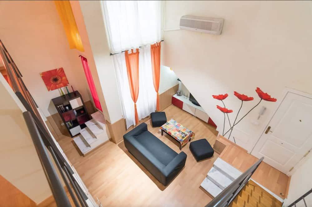 Duplex (City Center) - Living Area