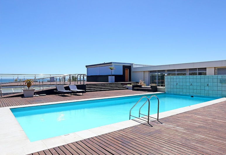 219 Lagoon Beach, Cape Town, Pool