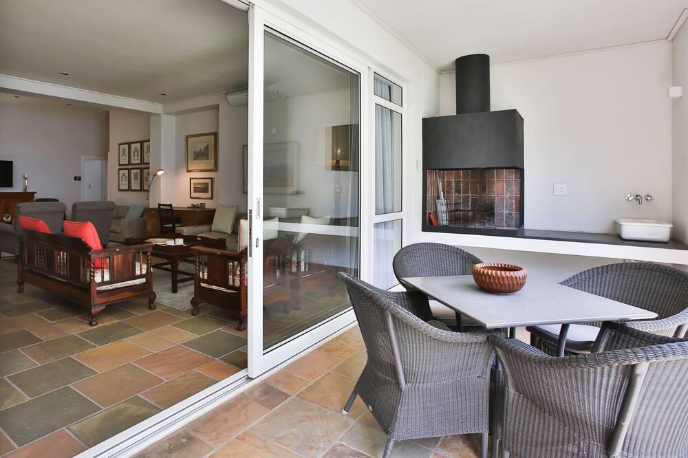 Laanhof Victorian House Room 2 - Balcony