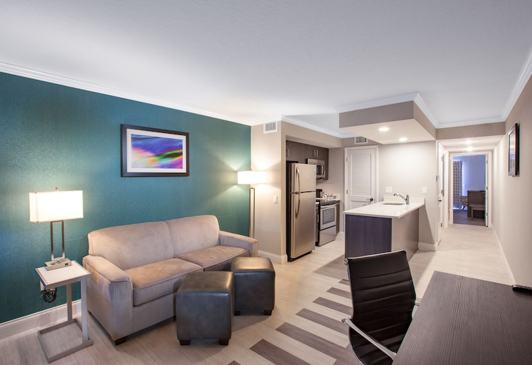 Hawthorn Suites by Wyndham Kissimmee Gateway, Kissimmee, Suite, 1 King Bed, Non Smoking (One-Bedroom), Living Room