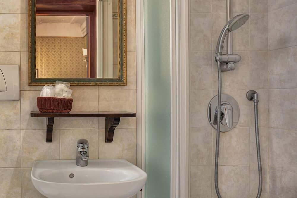 Double or Twin Room (private external bathroom) - Bathroom
