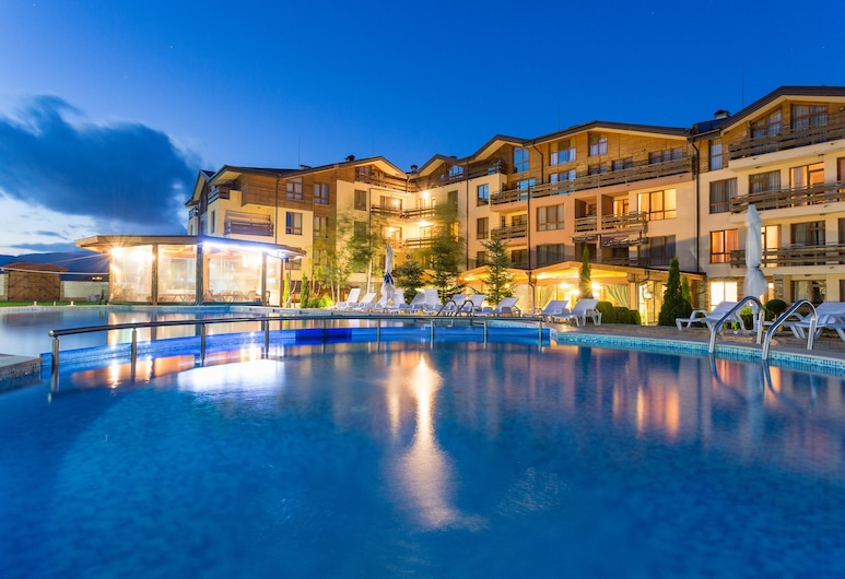 Green Wood Hotel & SPA - All Inclusive, Razlog, Hotel Front – Evening/Night