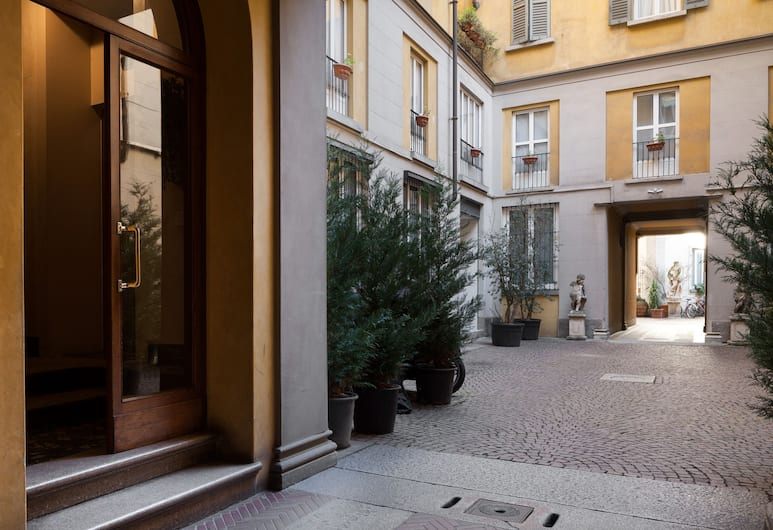 Volta Apartment, Milano, Cortile