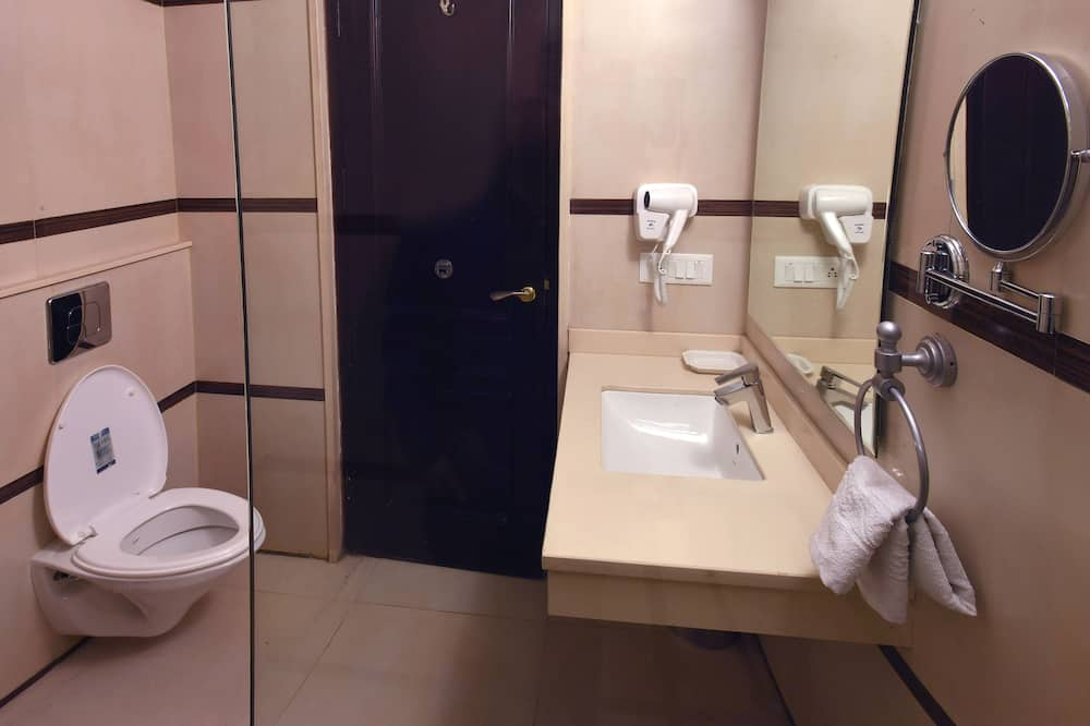 Executive Double Room, 1 Queen Bed - Bathroom