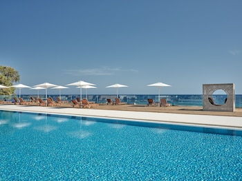 Picture of Cavo Orient Beach Hotel in Zakynthos