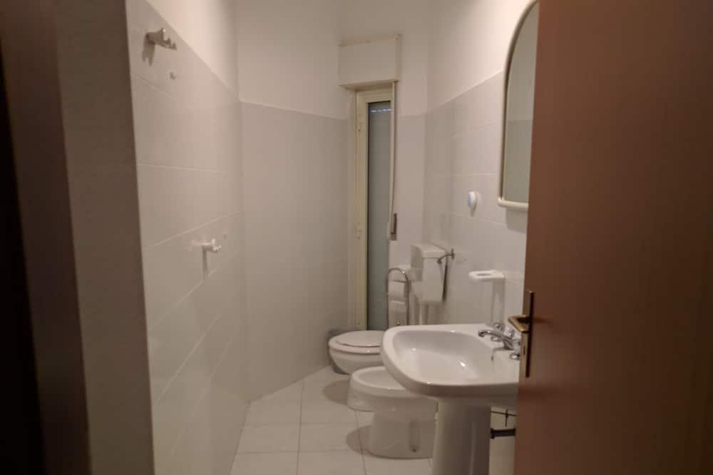 Апартаменты, 3 спальни - Ванная комната