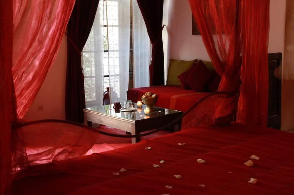 Suite (Yasmina) - Guest Room