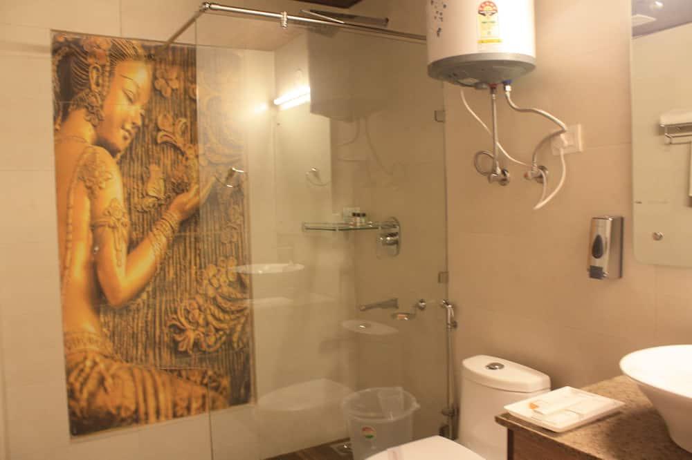 Standard - kahden hengen huone, 1 suuri parisänky - Kylpyhuone