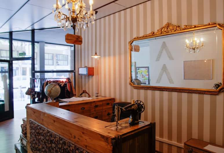 Pars Tailor's Hostel, Барселона, Стойка регистрации
