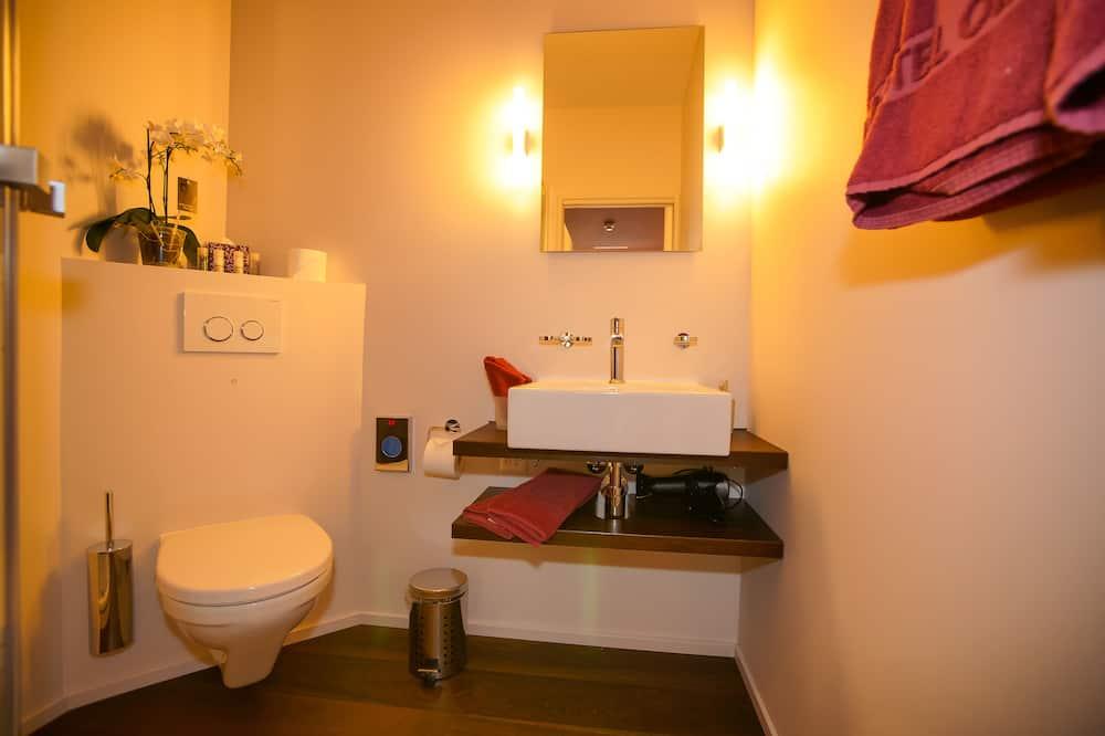 Design Üç Kişilik Oda - Banyo