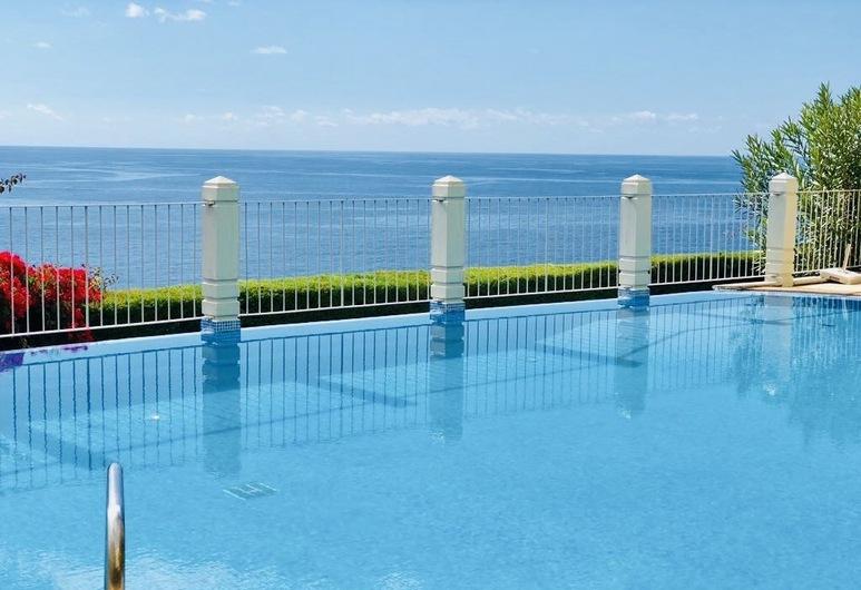 Apartamento Quinta da Falésia, Funchal, Kültéri medence