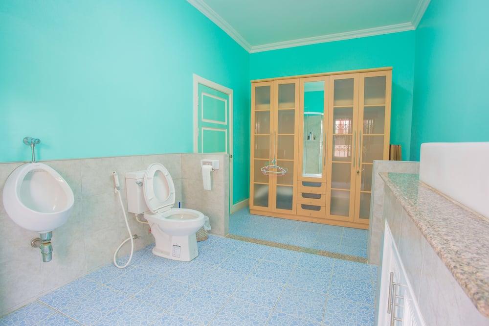 Villa, 4 Bedrooms, Kitchen, Garden Area - Bilik mandi