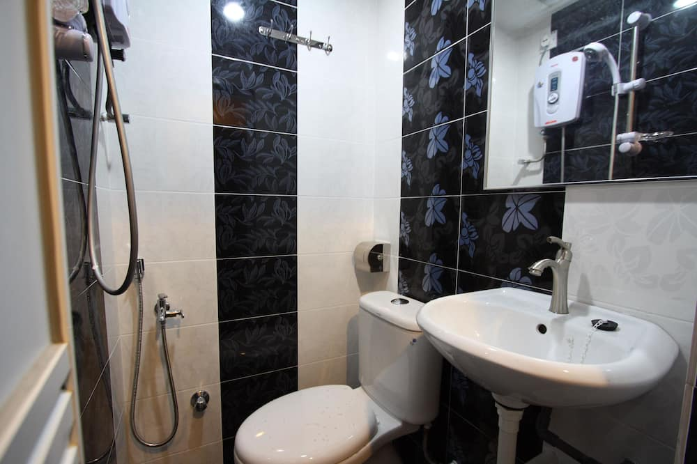 Economy-Doppelzimmer, 1 Queen-Bett - Badezimmer