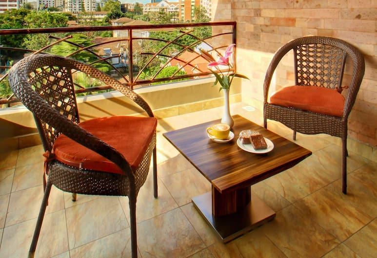 高地套房公寓酒店, 奈洛比, 套房, 1 張加大雙人床, 獨立浴室, 行政樓層, 露台