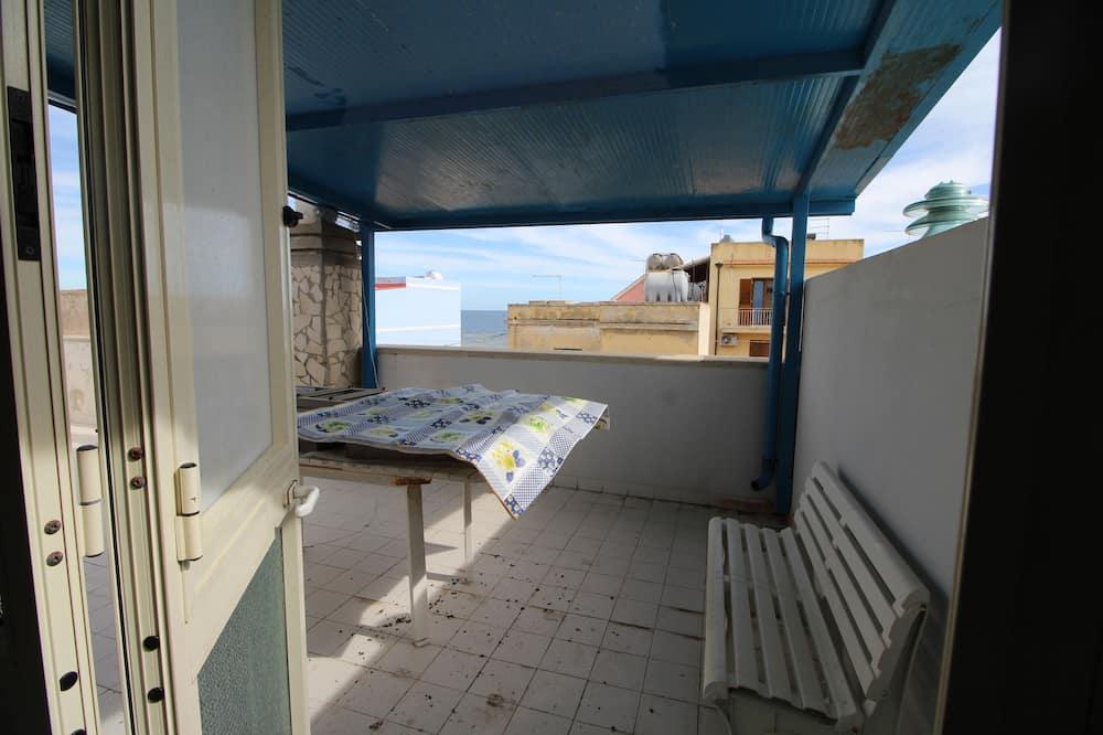 Familie appartement, 2 slaapkamers, Uitzicht op zee, Aan het strand - Terras