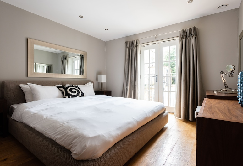 The Norfolk Townhouse - Large & Stunning 5BDR Mews Home on Private Street, London