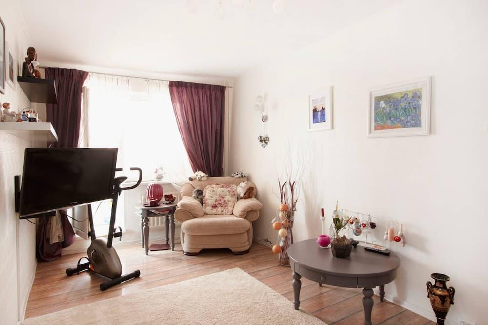 Апартаменти, 1 спальня (33 Ispitateley Street block 1) - Вітальня