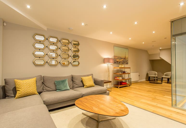 The Sweet Mews - Big & Bright 4BDR Mews Home in Ideal Location, London