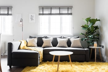Londra bölgesindeki The Oxford Street Retreat - Modern 3BDR in 2 Apartments resmi