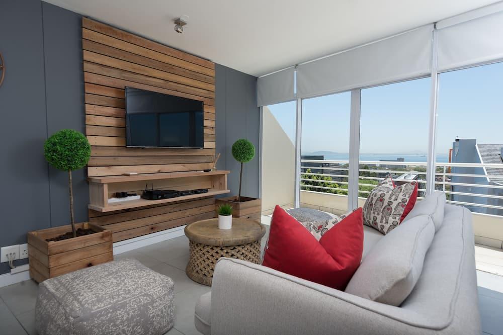 Comfort Room, 3 Bedrooms - Living Room