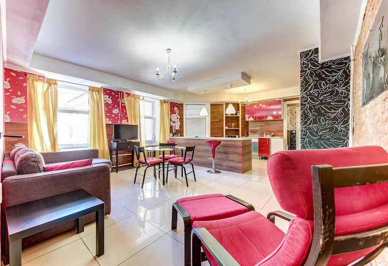 Home4day Central 2 Bedroom Apartment on Griboyedova, Sankt Petersburg, Apartment, 2 Schlafzimmer, Wohnzimmer