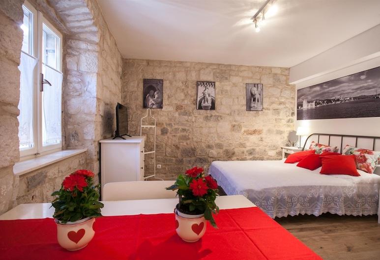 Apartment and Room Ursa, Trogir, Comfort Studio, 1 Queen Bed, City View, Room