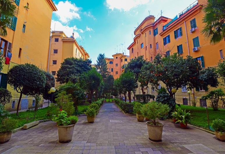 Allegras House Caracciolo, Rome, Hotel Entrance