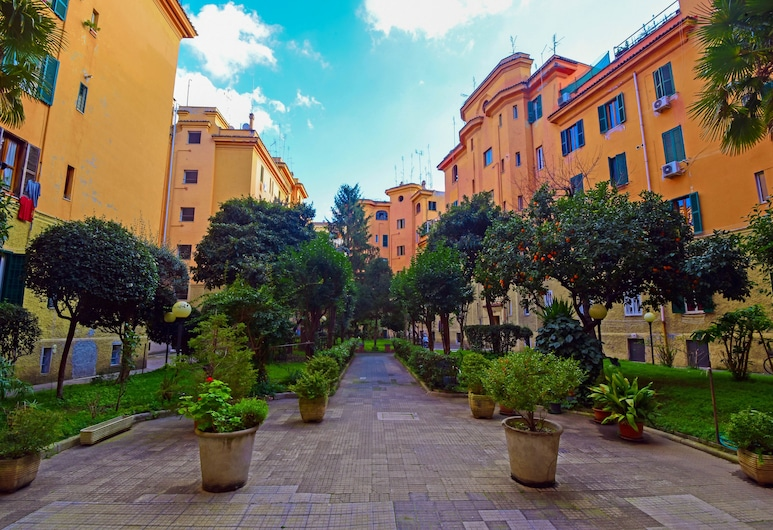 Allegras House Caracciolo, Řím, Vchod do hotelu