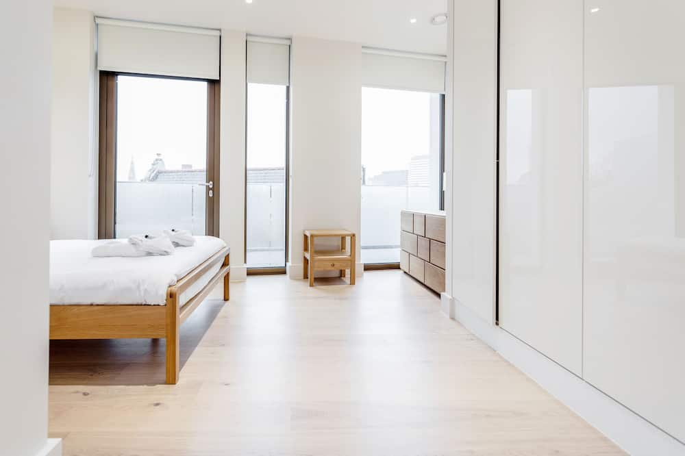 Chic 1 bed at Pear Place with balcony - PP04 - Kambarys