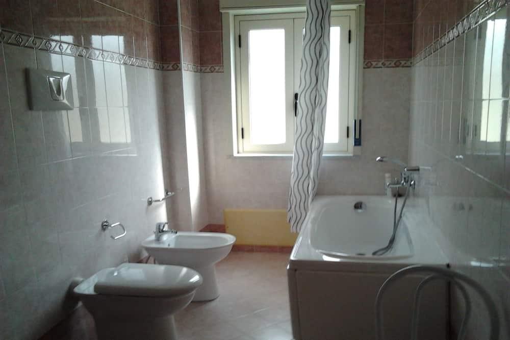 Phòng 4 cơ bản, Phòng tắm riêng, Sát bãi biển - Phòng tắm