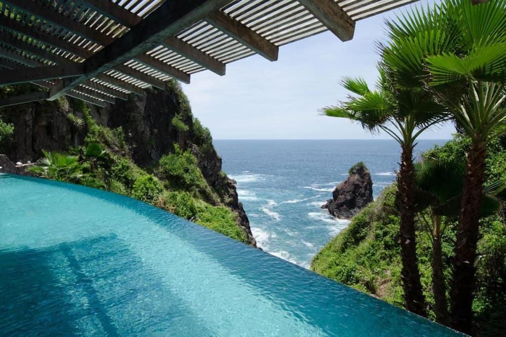 Prabangaus stiliaus vila, Kelios lovos, vaizdas į paplūdimį (Private Villa Nido de Amor) - Atskiras baseinas