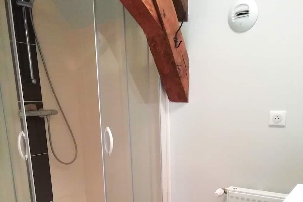 Classic Ortak Ranzalı Oda - Banyo