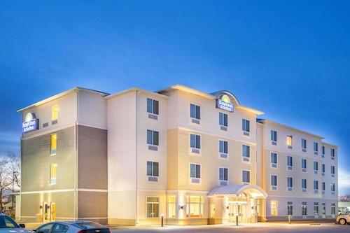 卡爾尼溫德姆戴斯套房飯店/