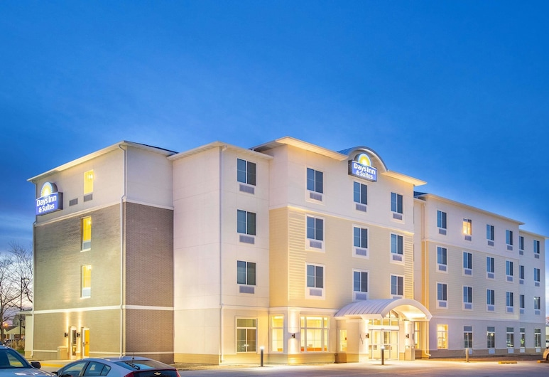 Days Inn & Suites by Wyndham Kearney, Kearney