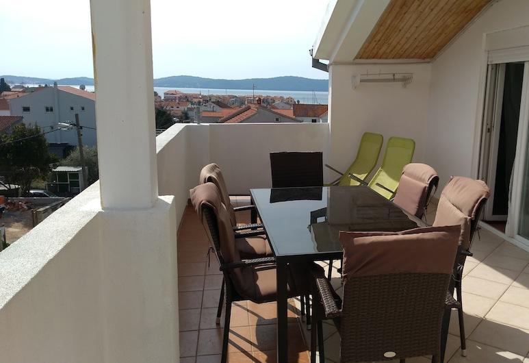 迷拉公寓酒店, 比賓哲, 公寓, 2 間臥室, 海景, 陽台