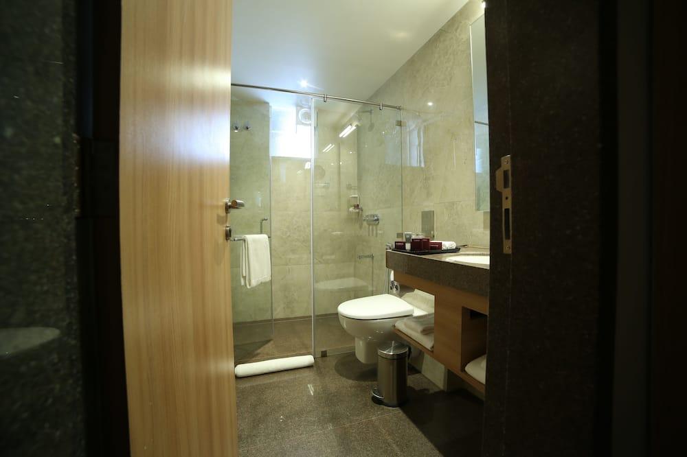 Deluxe Δωμάτιο, 1 Διπλό Κρεβάτι, Θέα στην Πόλη - Μπάνιο
