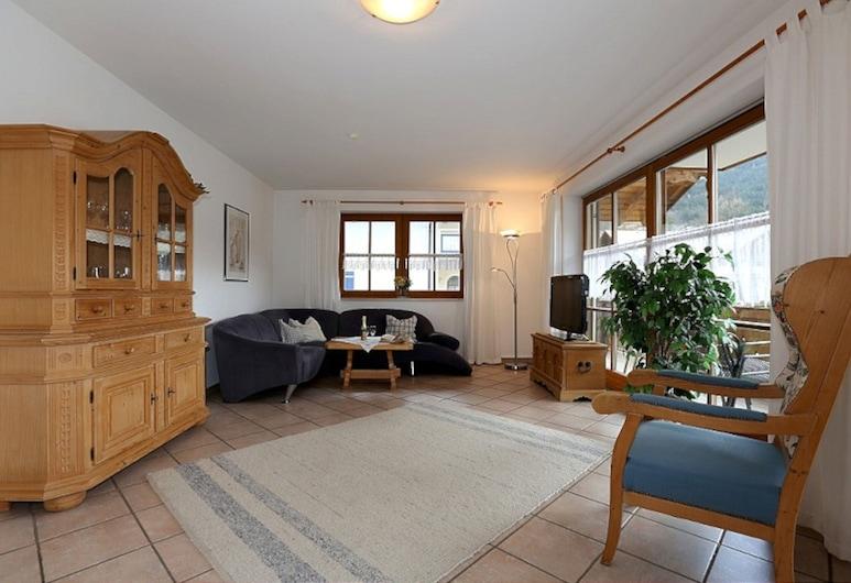 Ferienwohnung Nr. 2, 1 bis 4 Personen, 97 qm, 2 Schlafzimmer, Bad mit Badewanne, Dusche, WC, Balkon, Schoenau am Koenigssee, Numurs