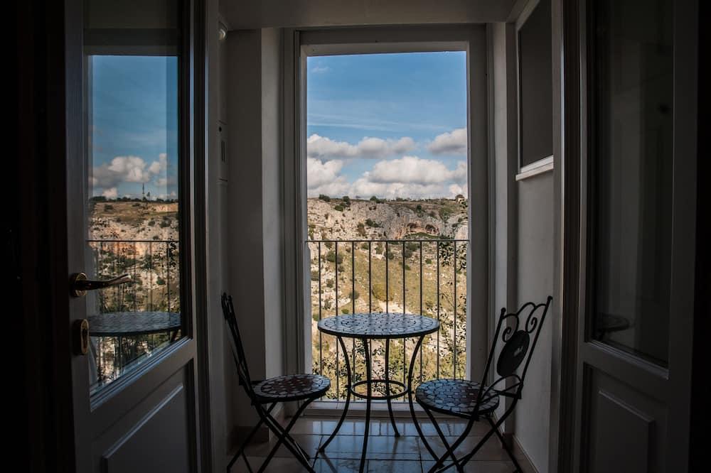 Suite panorámica, bañera de hidromasaje, vista al parque - Vista al balcón