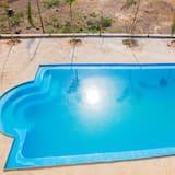Innendørs/utendørs basseng