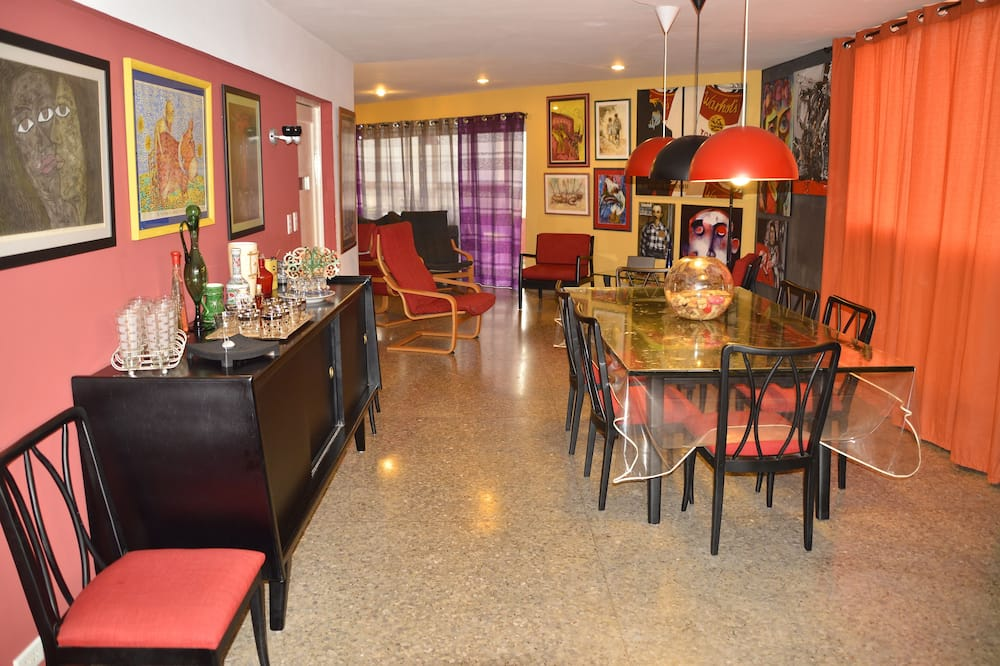 디럭스 아파트, 침실 4개, 주방, 바닷가 - 거실